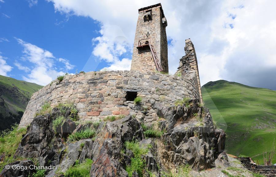Kazbegi sno fortress